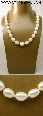 Fresh water pearl necklace - 9.5-10mm white baroque pearl - silver 925 clasp.JPG
